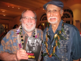 """Gabe Baltazar with Hawaii Governor Neil Abercrombie at a concert celebrating the release of Baltazar's autobiography, """"If It Swings, It's Music."""" (H. Chang/VOA)"""